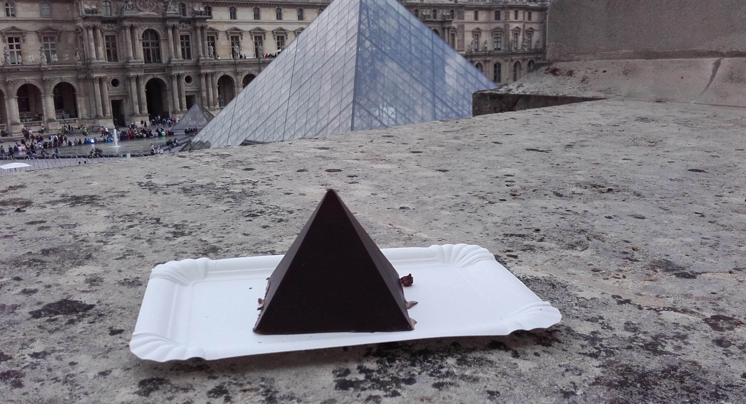 Chocolate cake in Louvre